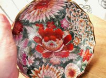 BOLD COLOURFUL DESIGN GILDED ORIENTAL BOWL HANDPAINTED CHRYSANTHEMUMS